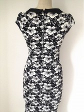Graceful 1950's Scoop Neck Floral Fishtail Pencil Dress