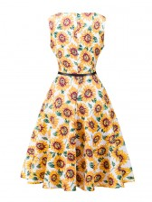 Graceful 1950's Vintage Floral Print Sleeveless Cocktail Party Swing Dress with Belt